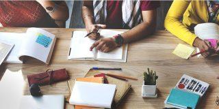 Vollzeitstudium vs. Duales Studium: Vorteile und Nachteile im Vergleich